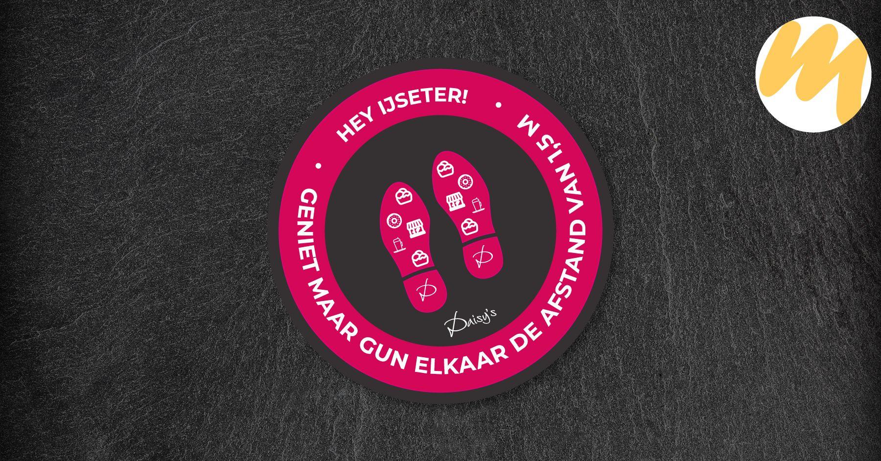 Vloersticker voor IJssalon Daisys's te Tiel | Grafisch design - Esmy Media Design